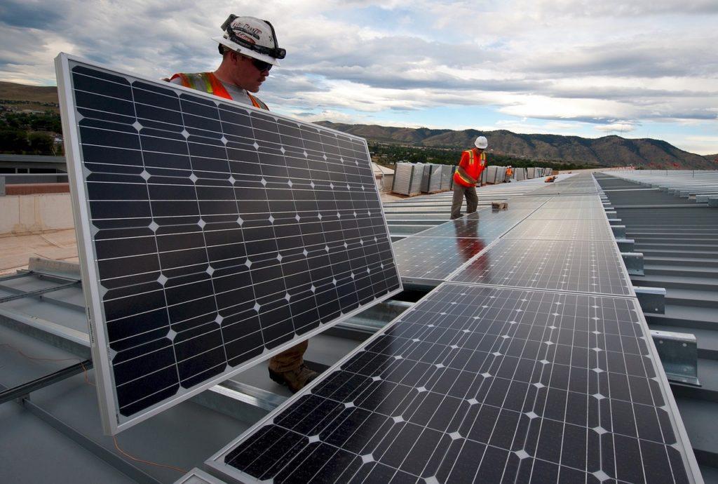 tipos de energía asequible y no contaminante