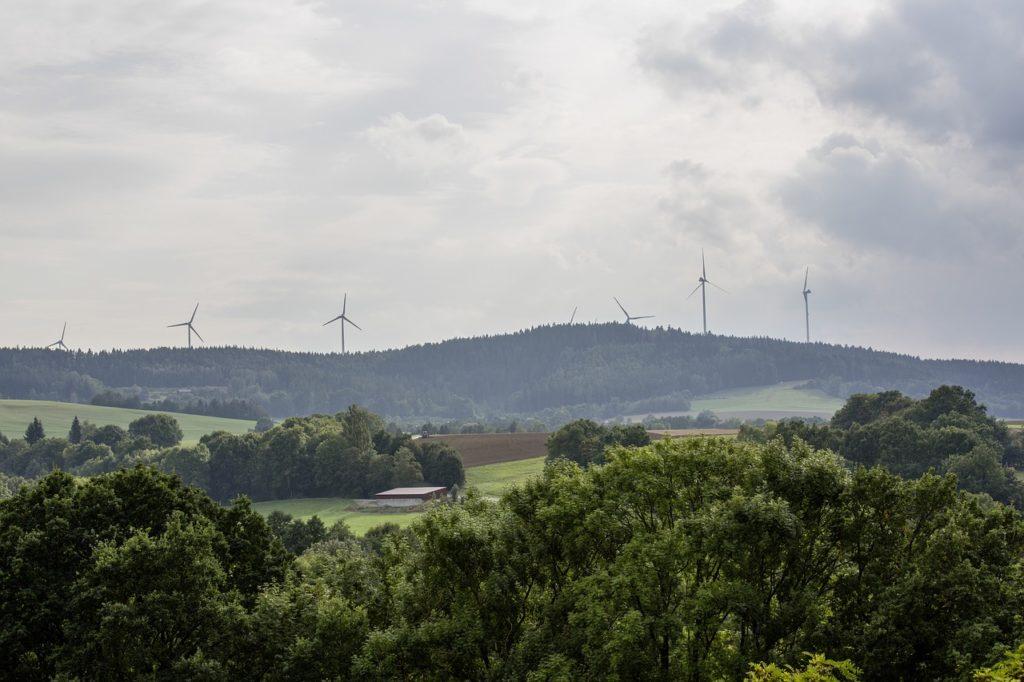 ventajas y desventajas de la energía asequible y no contaminante