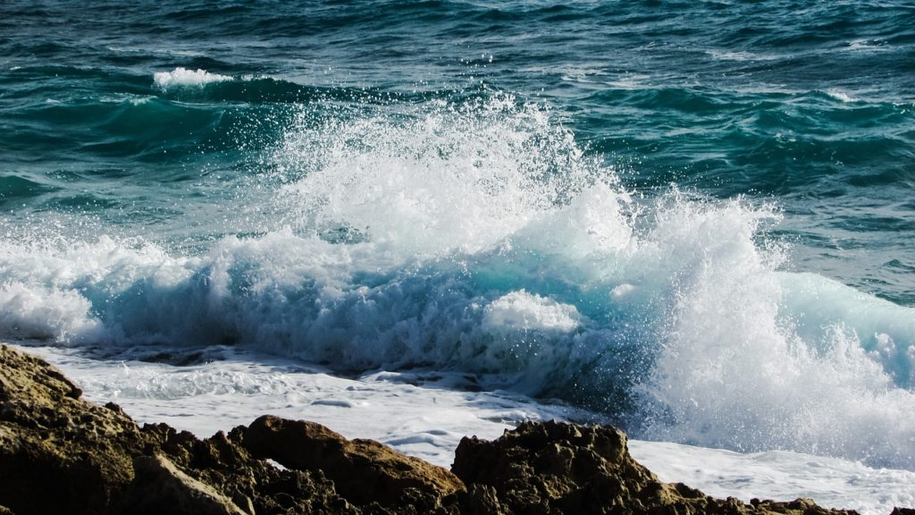 cómo se almacena la energía de las olas