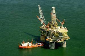 cómo se transporta el petróleo
