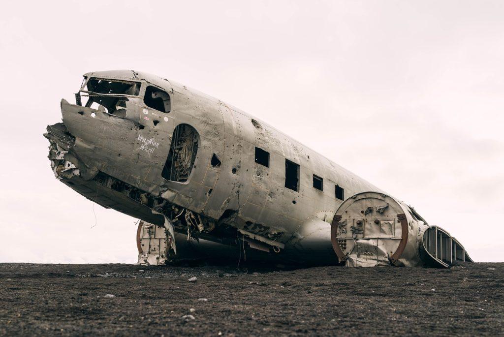 avión contaminación por plástico