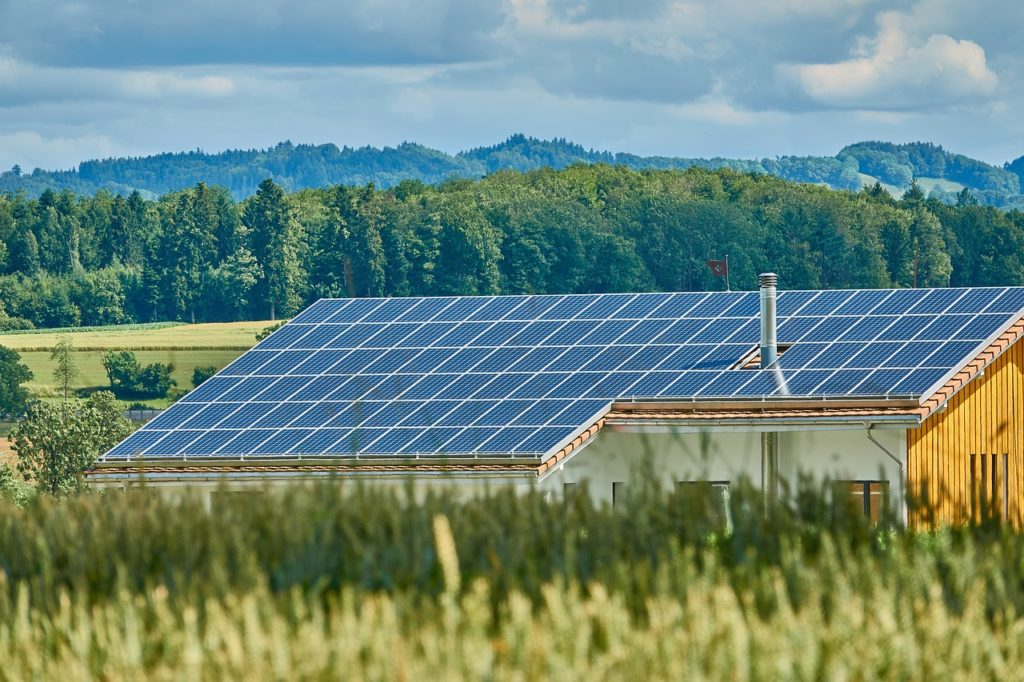 energía solar híbrida qué es