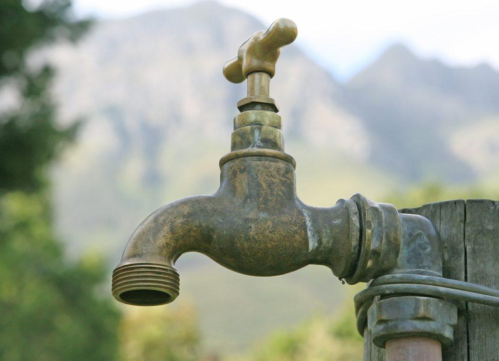 contaminación agua por química