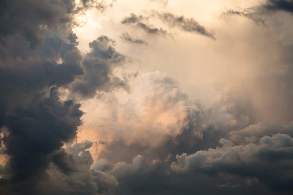 nubes con formas cirros