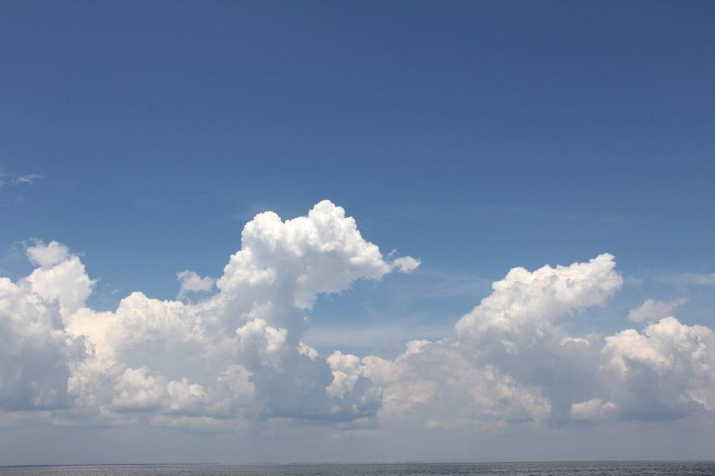 Nimbos nubes con formas