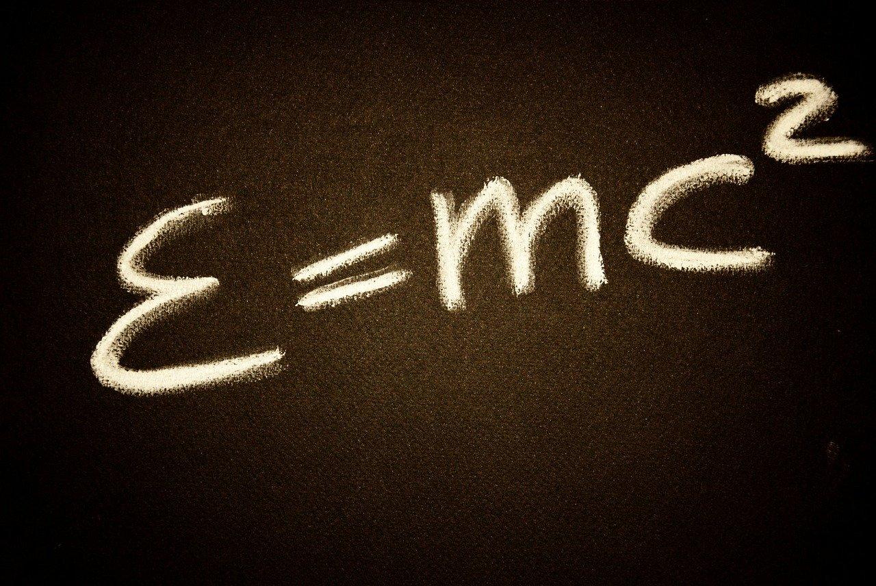 ¿Qué es la energía relativista?