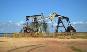 Causas del deterioro ambiental - Explotación petrolera