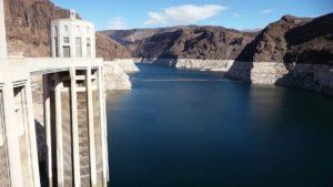 Qué desventajas tiene la energía hidráulica