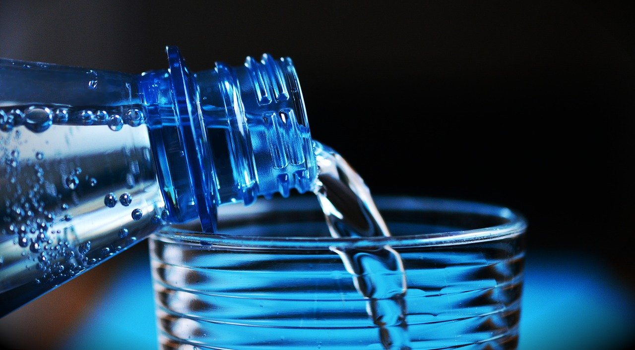 Cómo se mantiene el equilibrio de líquidos en el organismo