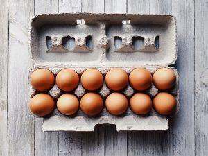 Qué técnicas para reciclar papel en casa podemos aplicar - El cartón de huevos
