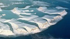 Dónde se ubica el océano Antártico geográficamente