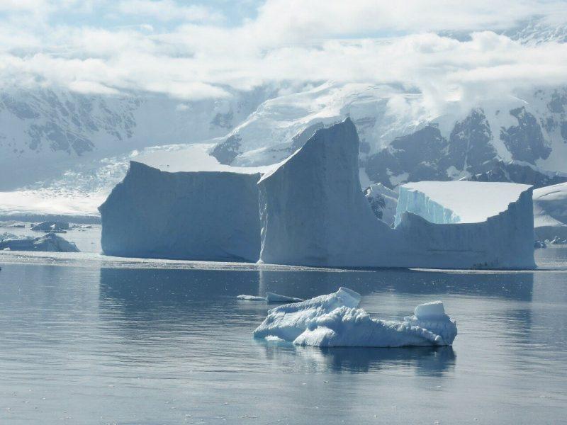 Qué características tiene el océano Antártico